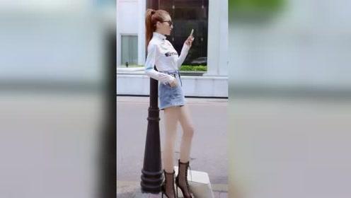 街拍:靓丽美女牛仔短裤,秀出修长白皙美腿