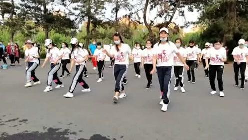广场舞《波卡波卡》动感DJ舞曲,时尚新颖舞步,一起学起来吧