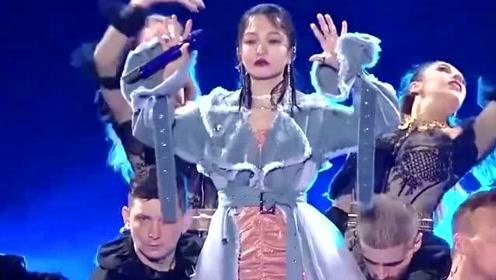 张韶涵价值最贵的一首歌,无数明星大腕设为铃声,也顺手摘下了金曲奖
