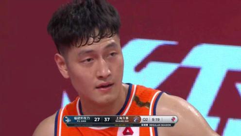 CBA状元啥情况?区俊炫和弗雷戴特挡拆,结果挡住了弗神,最后球还进了