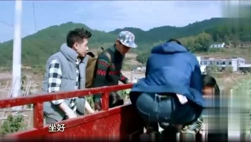 林志颖开着三轮摩托车太帅气了
