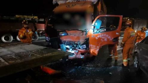 5车相撞!货车司机车速过快致连环车祸,原因曝出令人瞠目结舌!