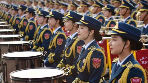 2021年1月1日元旦,军乐团霸气走入天安门广场,吸引了所有人目光