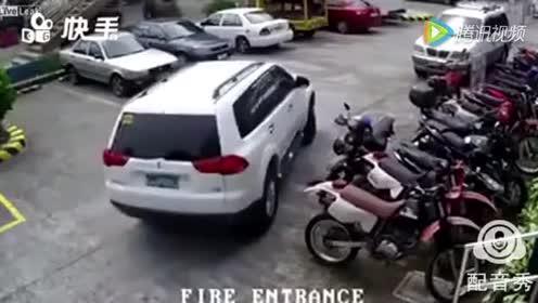 天津话停车入库,太找乐了