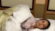 日本女孩很爱干净,为什么不喜欢睡床?宁愿躺在地上