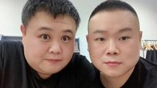 岳云鹏为搭档孙越庆祝生日 对镜自拍感情好