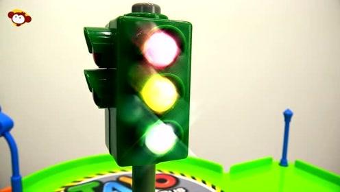 红灯停绿灯行,小公交太友和好朋友的快乐环城游