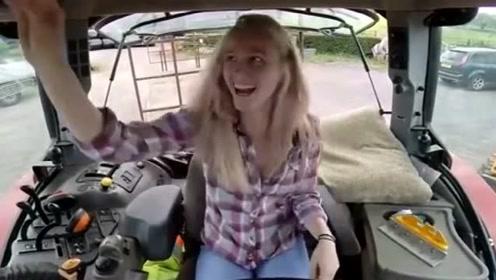国内都是农村大汉开拖拉机,看看国外的美女开拖拉机的样子,让我长见识了