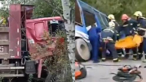 公交车与重型货车相撞,事故造成2人死亡16人受伤