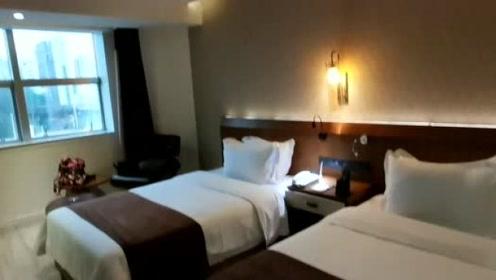 贵州旅游遵义到贵阳走的兰海高速,270一晚的双床房,性价比如何