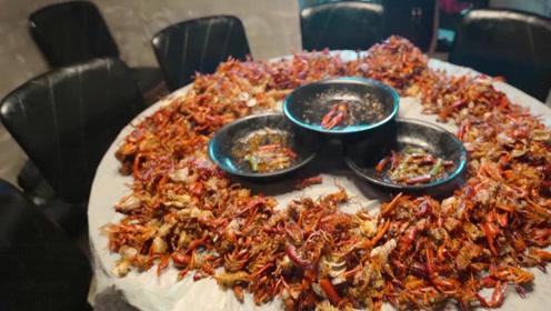 湖南小龙虾中的爱马仕,在这里吃龙虾,场面都是这样壮观