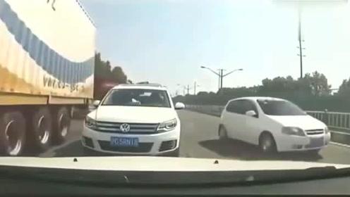 行车记录仪:面对这样的逆行车,视频车不妥协对方路怒症爆发了