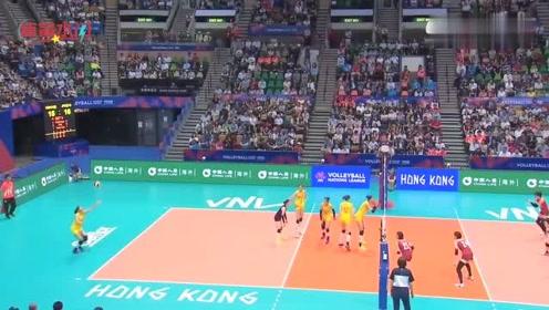 第三局0比6落后,朱婷霸气喊:拿回来!3比0霸气送蛋给日本女排