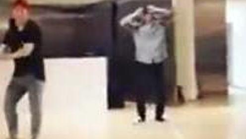EXO吴世勋更新练习室舞蹈视频,Wuli忙内真的酷炸了!