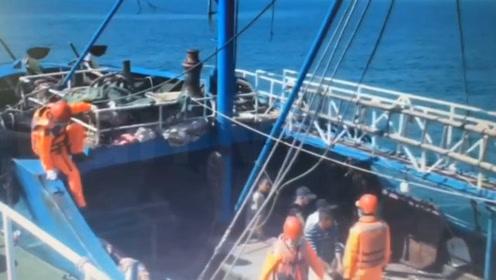 """现??!台当局以""""越界""""为由强行登检大陆渔船 逮捕6人"""