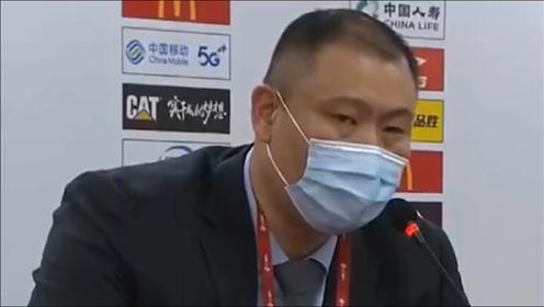 CBA里弗斯?王晗:有些球员打的特别软,像豆腐一戳就碎
