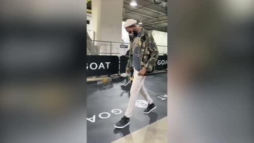个个都是穿搭潮人!NBA官方晒篮网球员入场视频