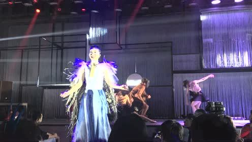 阿朵《新·民族音乐浪潮》live show——阿朵出场