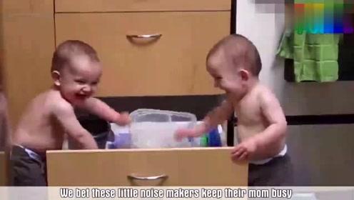 爆笑二哈视频:外国小孩真好玩.笑死我了