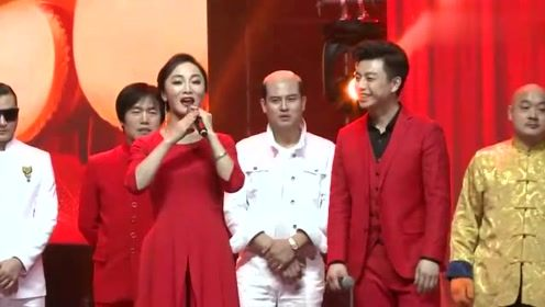 天王巫启贤携百位明星贺岁 2018中国梦 四海情 百姓春晚唱响大连