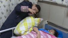 孕妇怀双胞胎取脐带血救大女儿,医院生殖专家评价母亲做法欠妥当