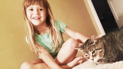 最新的动物搞笑合集:小女孩说超级喜欢猫咪,