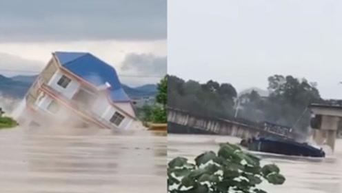 暴雨引發洪水 江西鄱陽一棟樓被瞬間沖毀 砂石船撞橋墩致梁板墜河