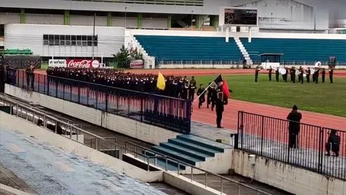 泰国小姐姐们集体走正步,论蹦蹦跳跳还有谁?