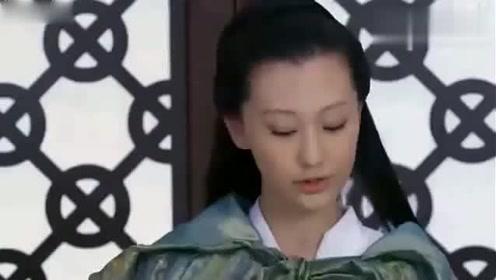 美女穿越到古代,做了一件白色礼服,皇帝看的眼都直了!