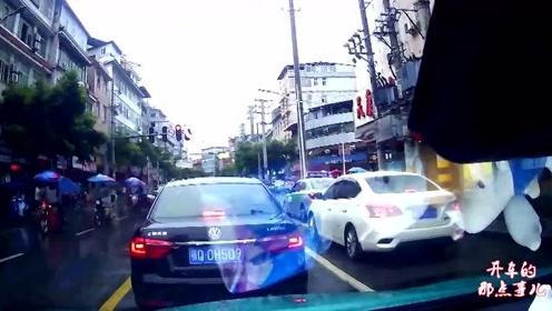 跑车突然起火,视频车记录仪拍下惊险全过程