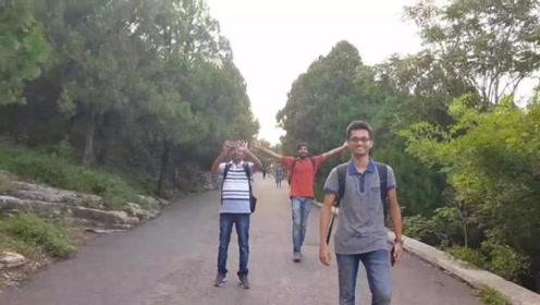 印度小伙中国旅游,济南千佛山