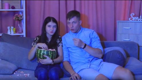 西瓜竟然还可以这样吃,跟着视频一起做,让人食欲大开