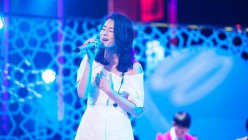 胡杏儿现场演唱《千千阙歌》,忍不住跟着唱,不愧是经典金曲!