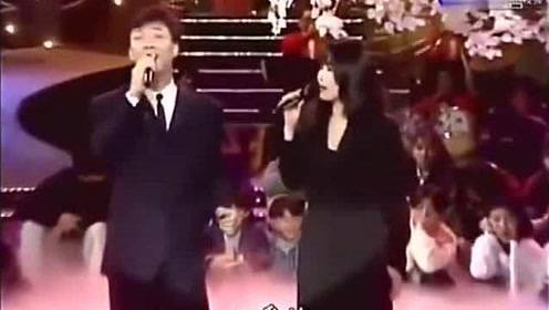 费玉清和江蕙蛮般配的,这是一位完整的歌手