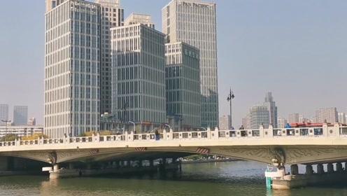 从固安坐了三个小时的大巴去天津,半路下车了,天津城市怎么样