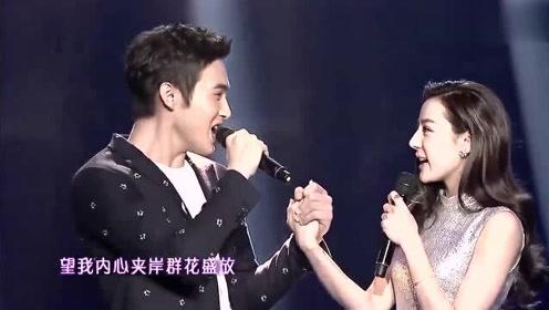 迪丽热巴和张彬彬同台飙歌《你被写在我的歌里》,好甜,好听至极
