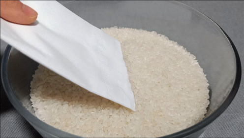 买大米时带一张纸,原来这么厉害,好多人都不懂为什么,真省钱
