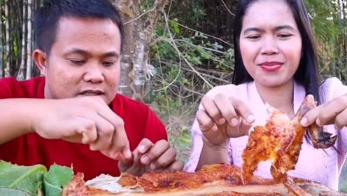 泰国铃铛大叔和媳妇儿吃烤全猪,大叔总算吃点正常的了