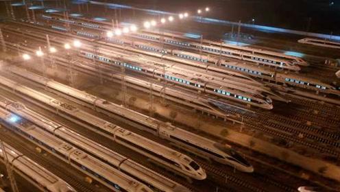 航拍成都高铁存车场迎战春运,万车齐发,势如陆地航母