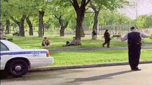 国外街头恶搞搞笑视频,路人表情惊呆了,看完真会笑死人