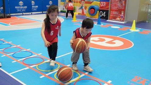 篮球课vlog:苏菲娅和由旦的第一节篮球课#奥运视