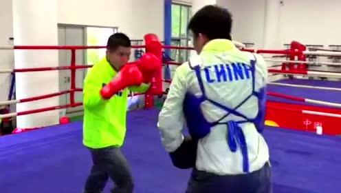 16岁的中国拳击少年 即将征战职业拳坛