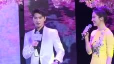 杨洋刘亦非台上现场演三生三世十里桃花,笑死刘亦非了