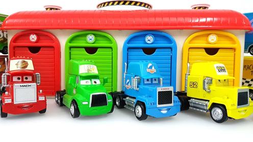 tayo巴士邀请其他的汽车到彩色车库里玩 玩具动漫秀之彩虹玩具屋图片