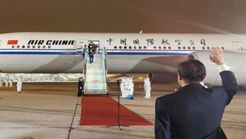 刚刚!中国驻休斯敦总领事馆全员归国,王毅机