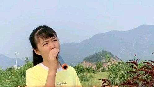 农村歌手一曲《放不下又害怕》歌声凄美伤感,唱出了内心纠结的情绪