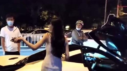 能开迈凯伦的人确实厉害,美女车主喝醉了,不下十个代驾在等着
