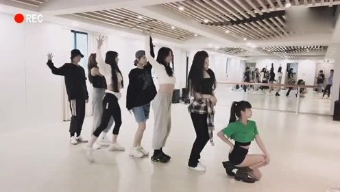 THE9《NOT ME》练习室 小喻言舞蹈,活力满满!