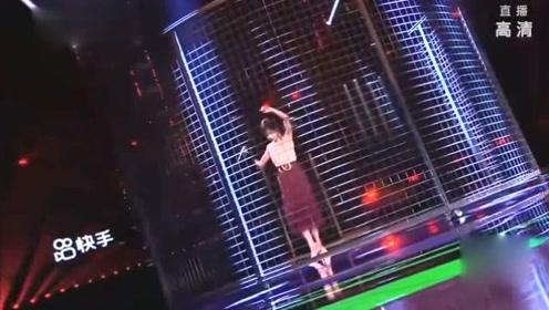 万茜一千零一夜晚会《乐园》单人独舞超可爱!