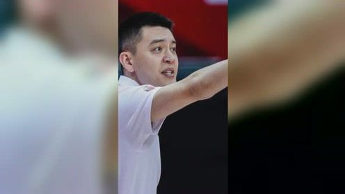 CBA最帅教练:杨鸣相视一笑